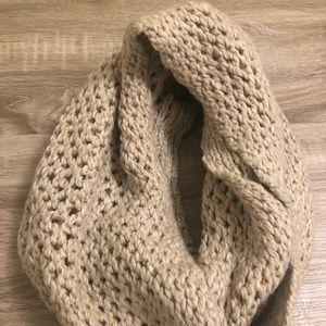 Infinity scarf - knit